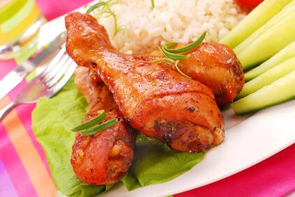 Cuisses de poulet au miel et aux raisins secs
