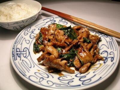 Emincé de poulet sauce basilic