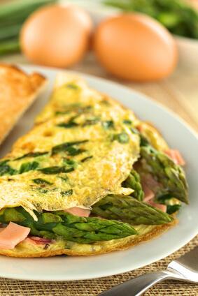 Omelette aux asperges et comté