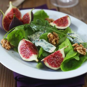 Salade aux figues roquefort et noix